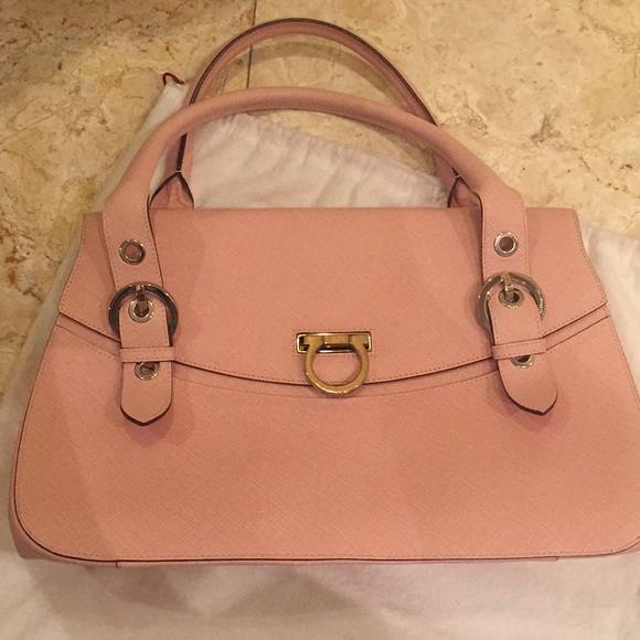 Authentic Salvatore Ferragamo Pink Bag. M 5ae5393e9a9455bdb07cba0e 4694a860f24c1
